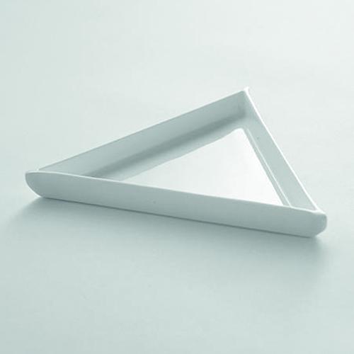 Bord triangle equil diam 17,5 SERAX Enchanting Geometry Ann Van Hoey